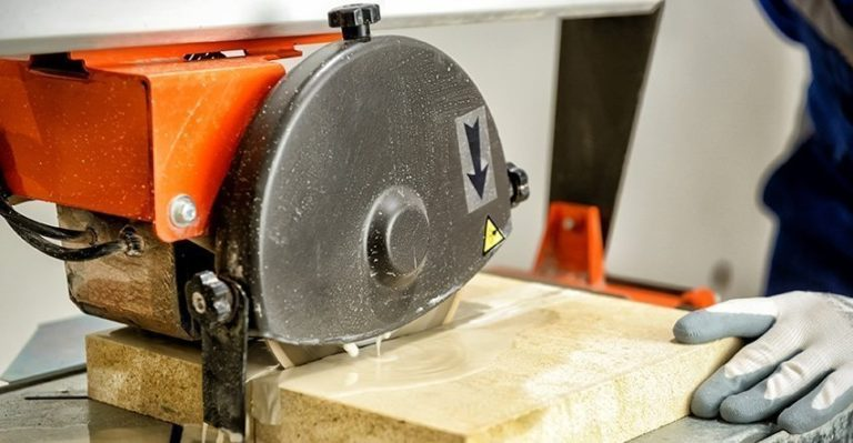 Top Wet Tile Saws For You In 2017 – The 4 Best Reviewed